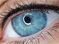 eyeliner-min