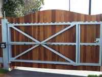 Automatic Gate Repair Tech Duncanville